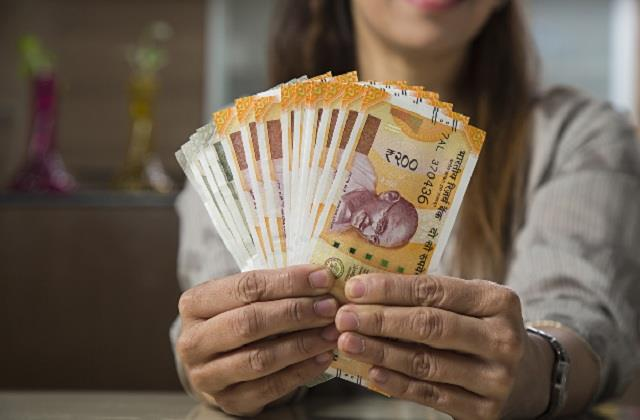 no check on cash deposits of housewives after demonetisation