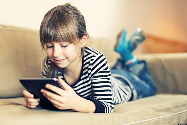 Parents Alert! बच्चे खेल रहे वयस्क वाली गेम्स, सीजेरियन ऑपरेशन तक के बताए जा रहे गुर