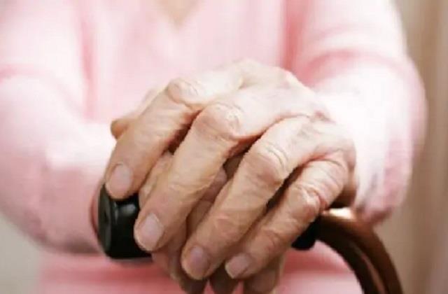 national news punjab kesari corona virus lockdown elderly report