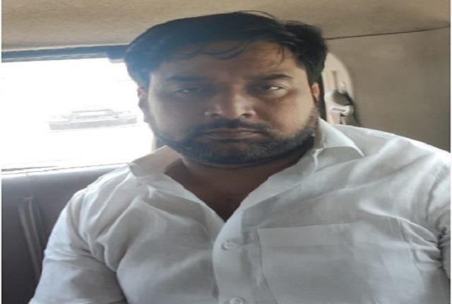 उत्तर प्रदेश,के कानपुर शहर के बीजेपी नेता गिरफ्तार अपराधी को भागने में की मदद