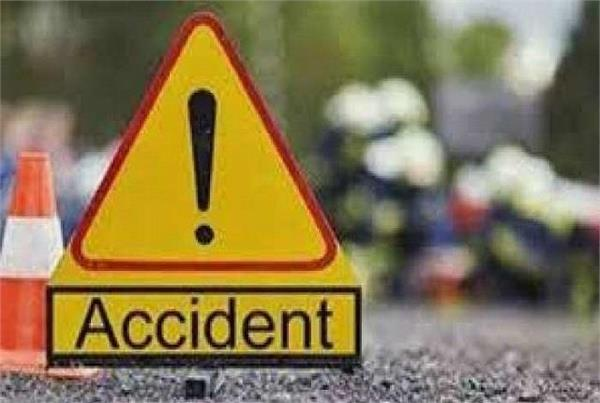 sonbhadra bike and cyclist collided head on two killed
