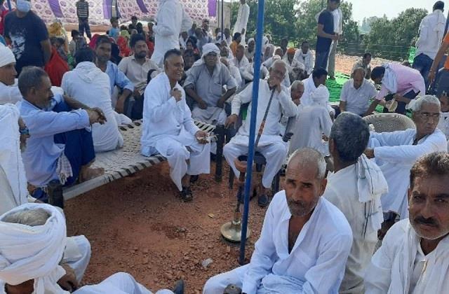 mahapanchayat on singhu border against farmers  movement