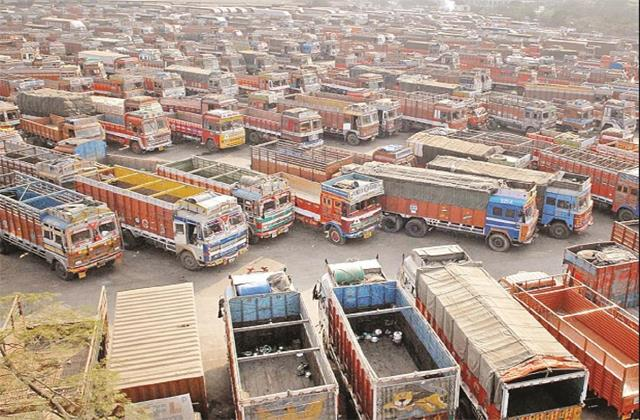 commercial vehicle sales expected to grow by 23 28 during 2021 22 crisil