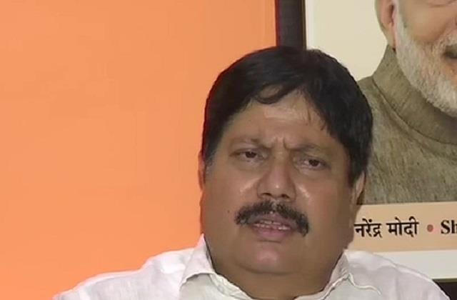 arjun singh said there was never a leader of the people in bengal