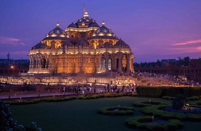 ये हैं दुनिया के 5 सबसे बड़े हिंदू मंदिर, अद्भुत वास्तुकला देखकर रह जाएंगे हैरान