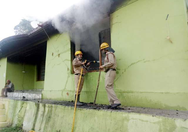 fire in the house of main accused of honey trap case