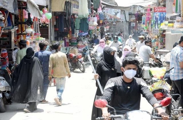 fewer people wearing masks despite wave of deadly covid 19 pandemic in india