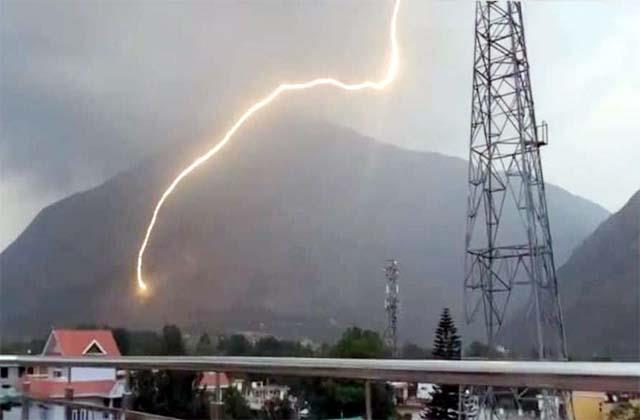 sky lightning fell on the hill of bijali mahadev