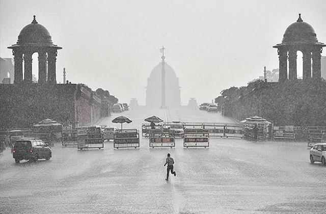 monsoon in delhi may knock 12 days before normal on june 15