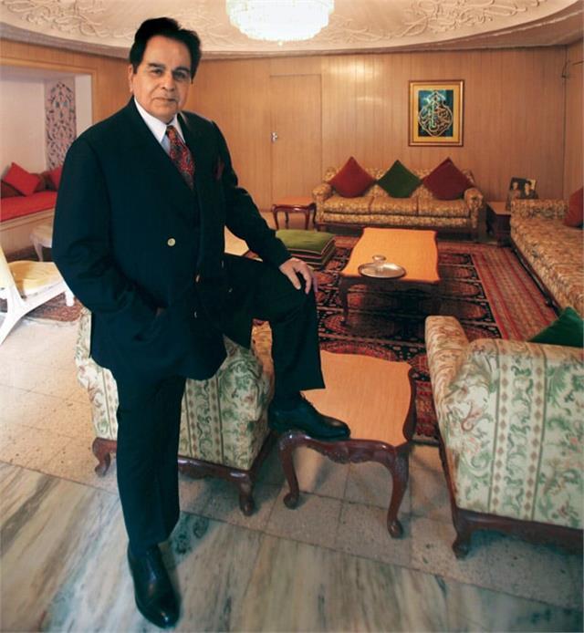 दिलीप कुमार ने अपनी पहली कमाई 36 रुपए से लेकर ऐसे बनाई 600 करोड़ की प्रॉपर्टी, जानें उनकी Net Worth