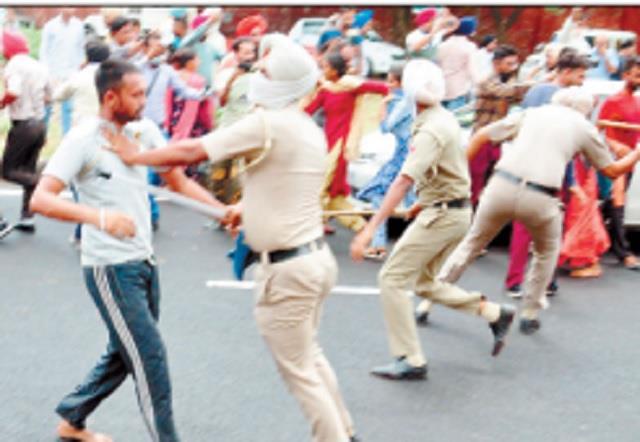 protest teachers