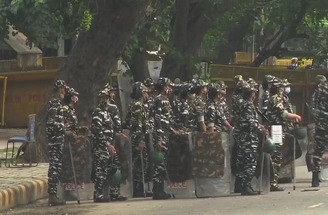 farmers parliament delhi police high security