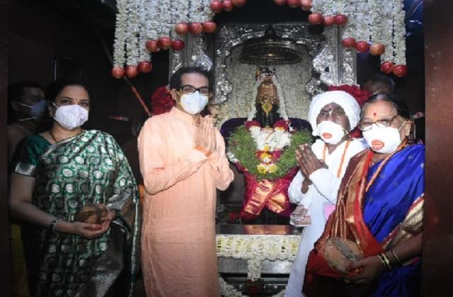 thackeray performed mahapuja on the occasion of ashadhi ekadashi