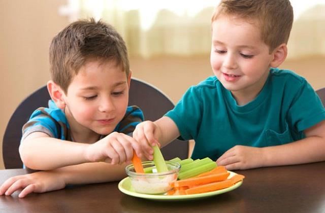 Kids Health: बच्चों को खिलाएं ये 10 Super Foods, तेजी से चलेगा दिमाग