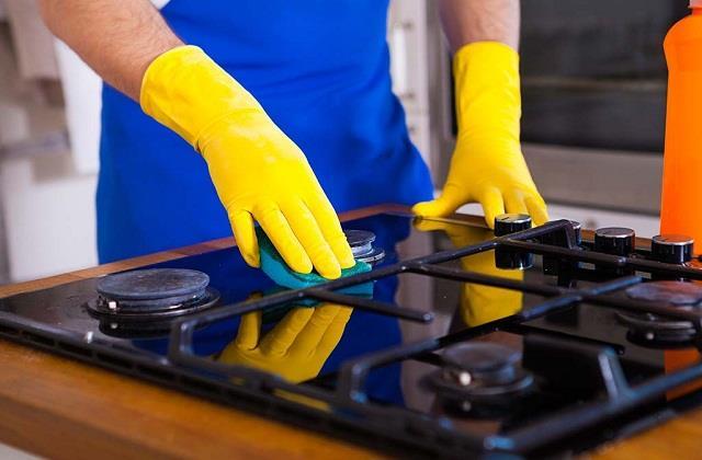 Cleaning Tips: मिनटों में चमकाएं काला पड़ा गैस बर्नर