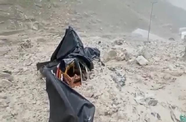 terrible scene of floods in amarnath cave was captured on camera