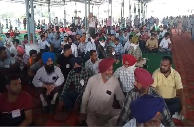 punjab employees went to gherao the captain s residence