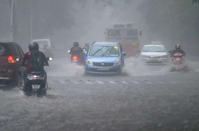 incessant rain continues at many places of madhya pradesh