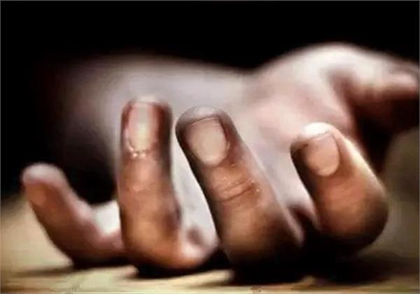 worker working in bharat refractory plant dies after falling