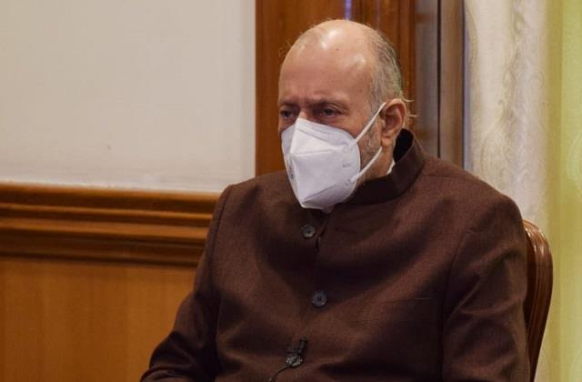 lg has given the cp of delhi right to take custody