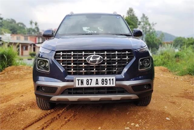 hyundai launched s o and sx o executive variants of the compact suv in market