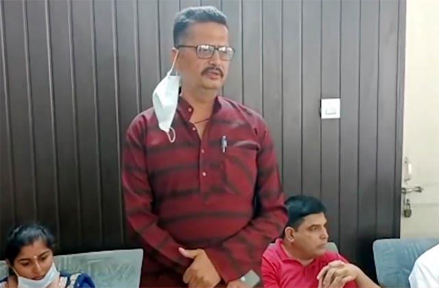 voices of rebellion raised in jhanduta bjp