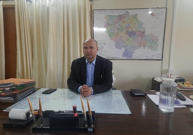 commissioner and dig did surprise inspection of police station and block office