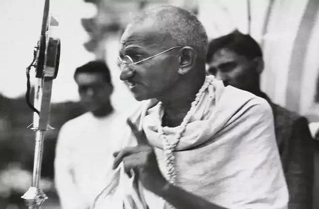 when gandhiji warned that among the satyagrahis there should be no drinkers
