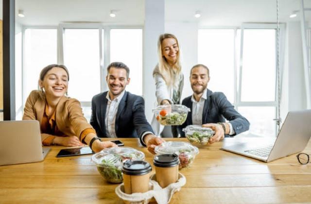 ऑफिस लंच में शामिल करें ये 5 तरह की चीजें, सुस्ती और थकान रहेगी दूर