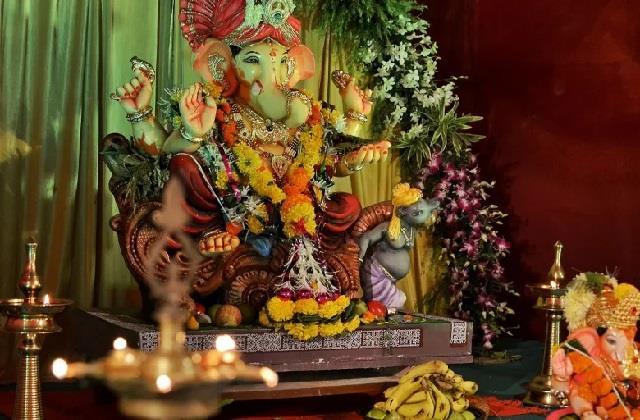 Ganesh Utsav: कर्ज से छुटकारा पाने के लिए गणेश चतुर्थी पर करें ये उपाय