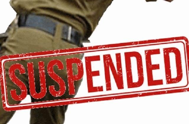 2 policemen including the station head suspended for negligence