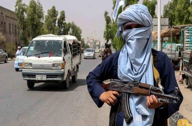 taliban searching door to door for ex servicemen and government employees