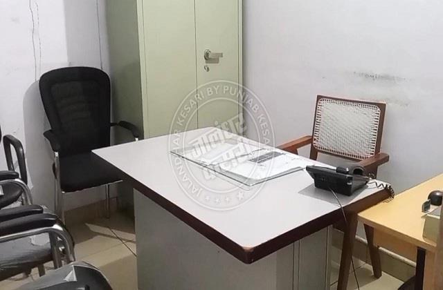 jalandhar empty government office even after 10 o clock