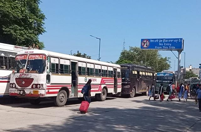 punjab roadways employees today closed bus stand for 2 hours