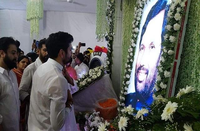 chirag pays tribute to father