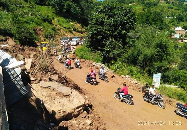 traffic restored on naina devi anandpur sahib main road after 22 hours