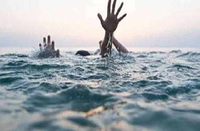 two girls die by drowning in ganga river in saran
