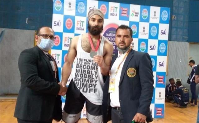 simran of chamba won silver medal in national kick boxing