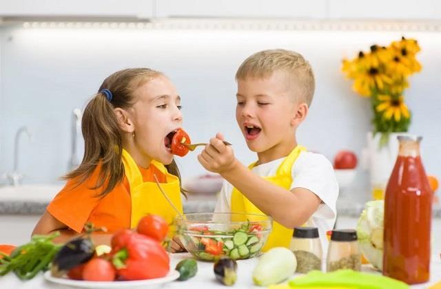 Parenting Tips: इन 5 चीजों से ऐसे करें बच्चे की Immunity Boost