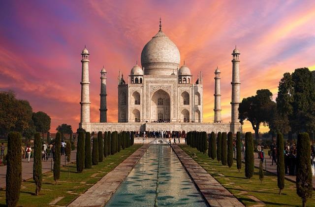Taj Mahal A Mistry: एक नहीं 4 बेगमों का मकबरा, यहां पढ़ें 'प्यार की निशानी' के अनसुने किस्से