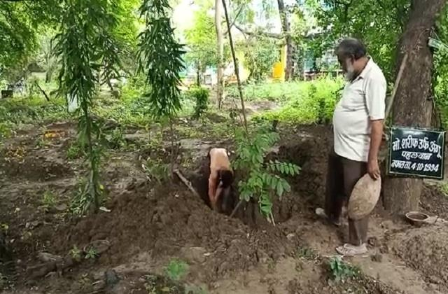 niece excavated uncle s grave in indore