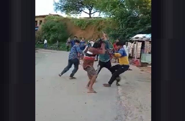 youth brutally beaten up in rewa