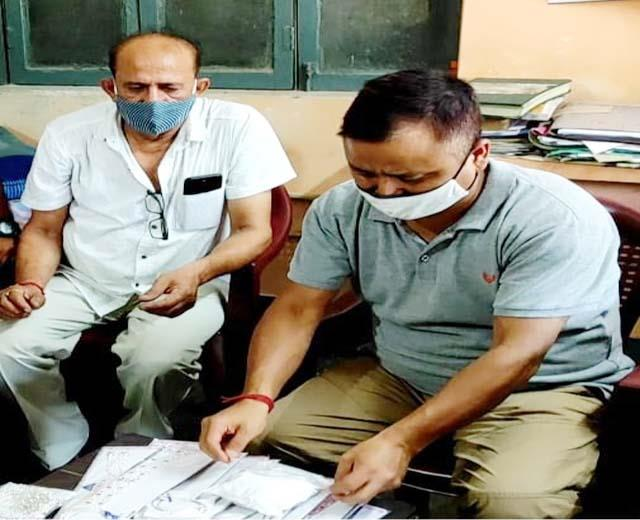 silver jewelery worth rs 3 25 lakh caught in pandoga