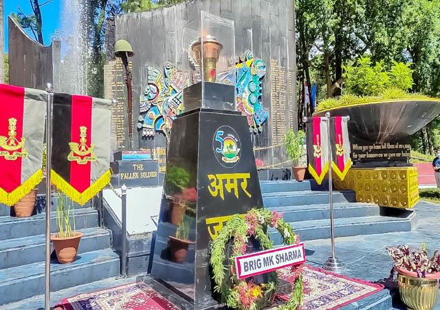 welcome of golden victory torch at martyr memorial dharamshala