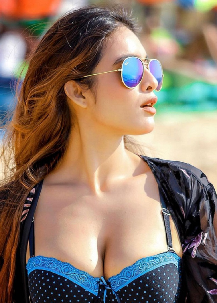 Bollywood Tadka, Neha Malik