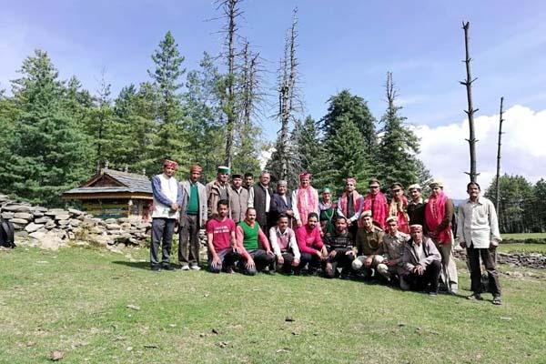 PunjabKesari, Forest Department Team Image