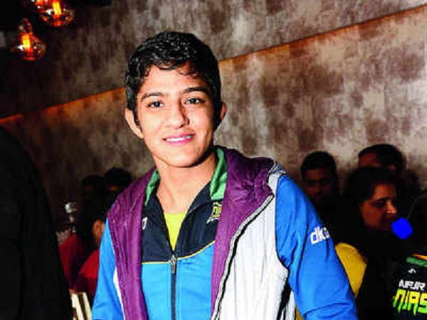 Ritu phogat desi dance with his MMA partner is going viral
