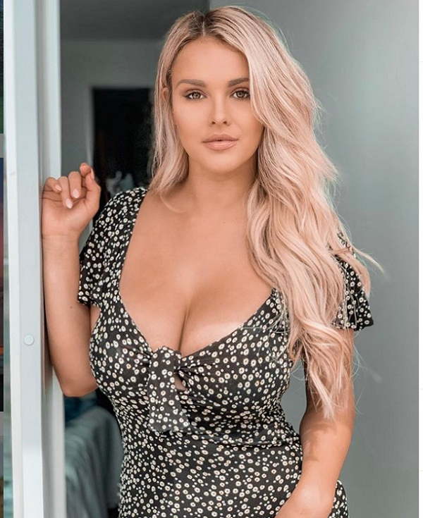 Kinsey Wolanski instagram follower raise 3 million in just one week