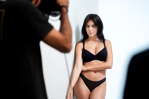 Cristiano Ronaldo's girlfriend Georgina Rodriguez stuns in lingerie photoshoot
