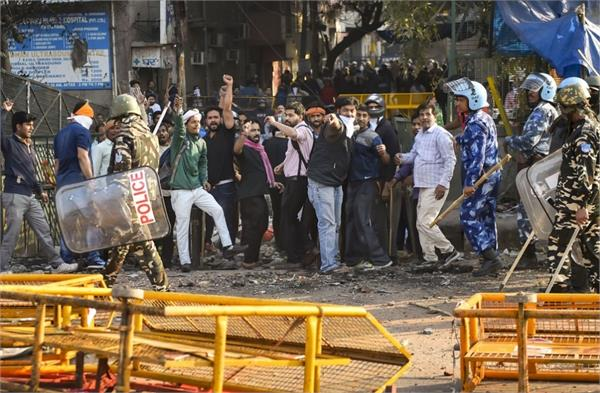 why violence erupted in north east delhi